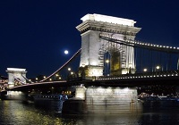 CHAIN BRIDGE Roamntic place Budapest