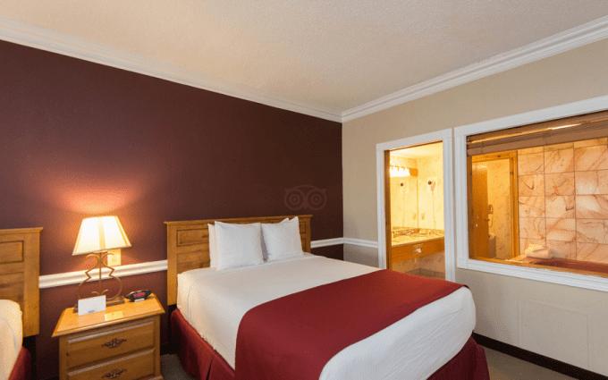 Jacuzzi Suite in Best Western Greenfield Inn,Detroit, Michigan