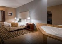 Jacuzzi suite in Best Western Plus New England Inn & Suites, CT