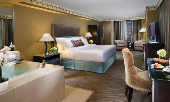 Hot tub suite in the room in New York New York Las Vegas Hotel & Casino