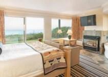 A Jacuzzi suite in Best Western Plus Lincoln Sands Oceanfront Suites, Lincoln City, Oregon Coast