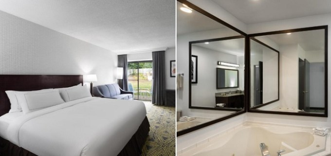 A King room with a Whirlpool in DoubleTree by Hilton Pittsburgh - Meadow Lands