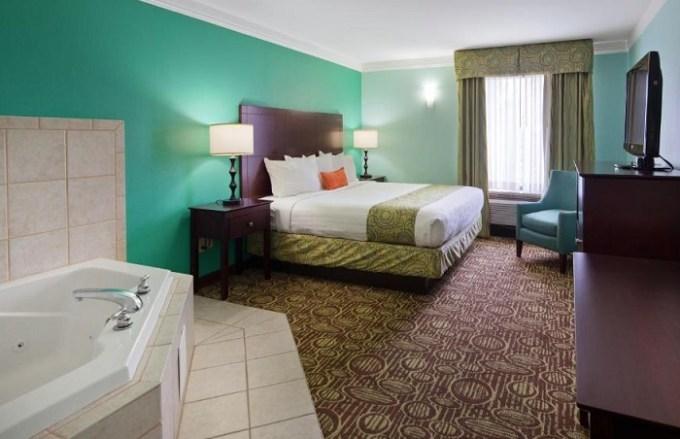 Hot tub suite in Best Western Plus Glen Allen Inn, Richmond, VA