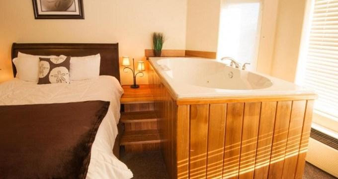 Jacuzzi room in The Seaside Oceanfront Inn, Oregon Coast