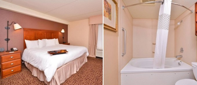 King suite with a Whirlpool in Hampton Inn Pittsburgh McKnight Rd