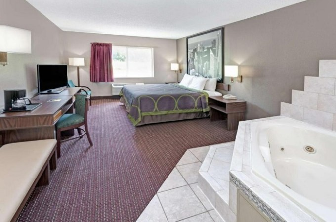 Hot Tub Suite In Super 8 by Wyndham Chicago O'Hare Airport Hotel, IL