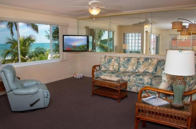 Oceanfront suite in Cedar Cove Resort & Cottages, near Sarasota, Florida