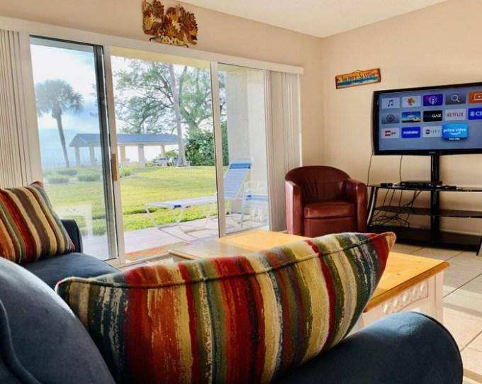 Oceanfront suite in Turtle Crawl Inn - Longboat Key, near Sarasota, Florida