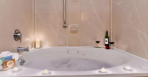 In-room hot tub in Best Western Plus Greensboro-Coliseum Area, NC
