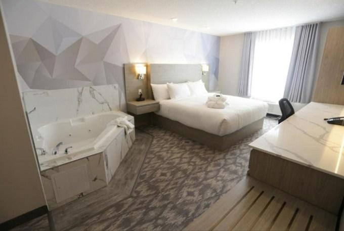 Jacuzzi suite in Days Inn by Wyndham Calgary North Balzac, Alberta, Canada