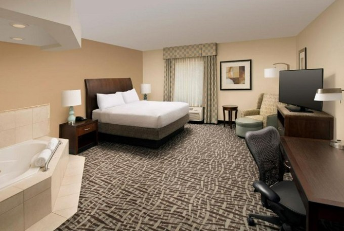 Room with a hot tub in Hilton Garden Inn Winston-Salem-Hanes Mall, near Greensboro, NC