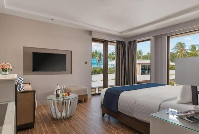 The beachfront Henann Crystal Sands Resort, White Station 1, Boracay, Philippines