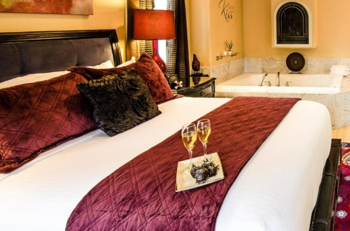 A romantic room with a hot tub in Inn at Parkside, Sacramento, California