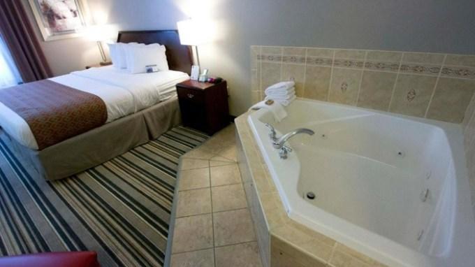 Hot tub suite in Best Western Harrisburg Hershey, PA