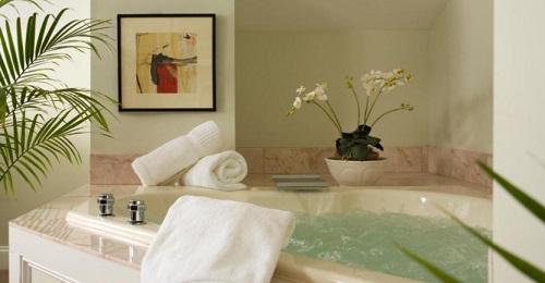 Jacuzzi suite in Hydrangea House Inn, Newport, RI