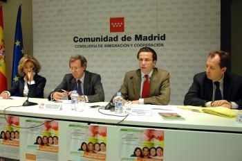 """""""Conoce tus leyes"""" – o nouă ediție a cursului despre legile Spaniei"""