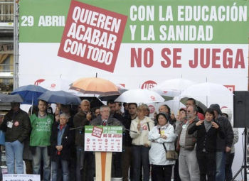 Spaniolii sarbatoresc 1 mai prin manifestatii de protest