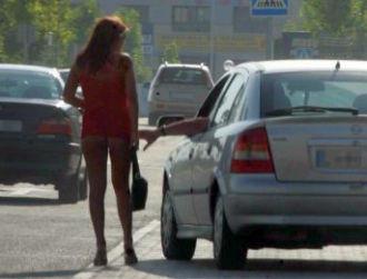 Minoră salvată de pe stradă, la Huelva, de un client
