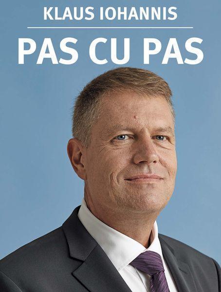 """""""Pas cu pas"""", cea mai vândută carte digitală după alegerea lui Klaus Iohannis"""