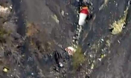 """""""Copilotul a vrut să distrugă avionul"""", cred anchetatorii accidentului Germanwings"""