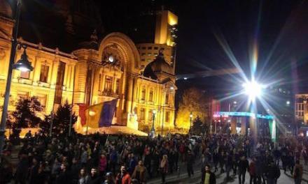 """Hotnews: """"Mars gigantic în București după tragedia de la Colectiv"""""""