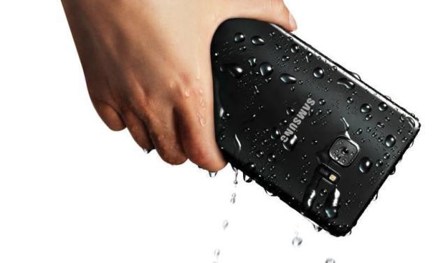 Noul telefon Samsung se deschide cu ochii și nu intră la apă