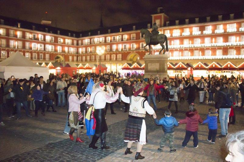 Hora Unirii în Plaza Mayor la Madrid