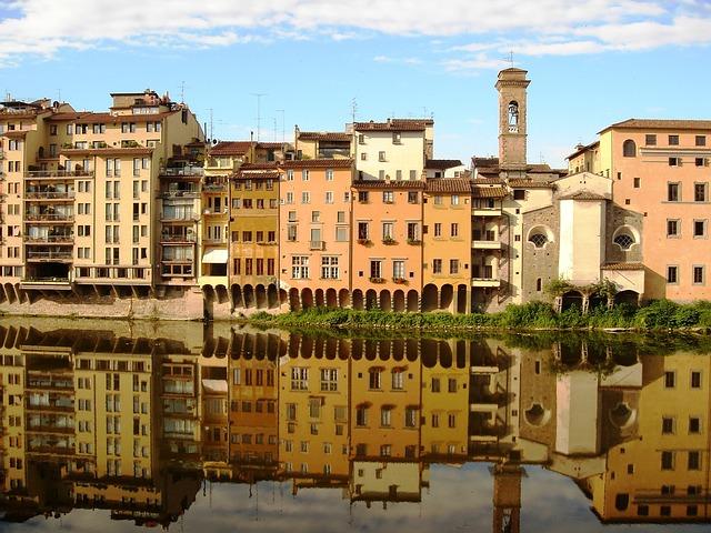 Rio Arno e panorama de Florença