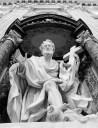 Estátua na Basílica João de Latrão