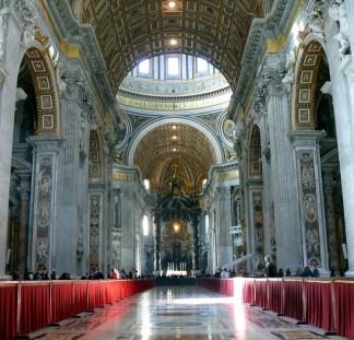 O interior da Basílica de São Pedro