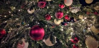 Palline e addobbi per albero di Natale