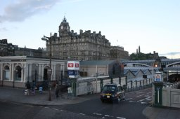 edinburgh-waverley-station
