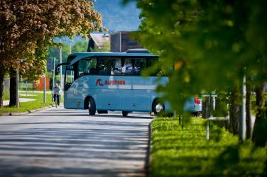 Alpetour bus services the Lake Bled route