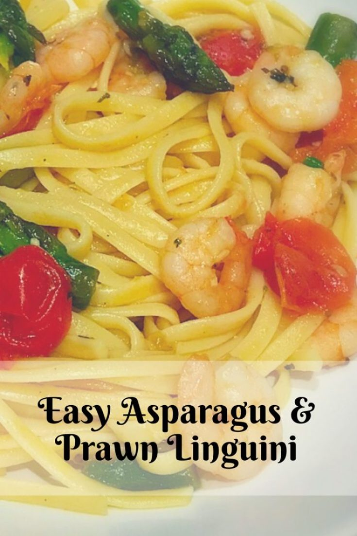Linguine with asparagus,prawns and herbs