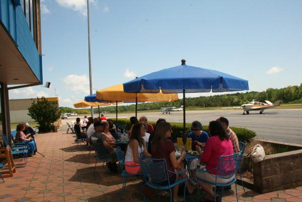 charly's airport restaurant