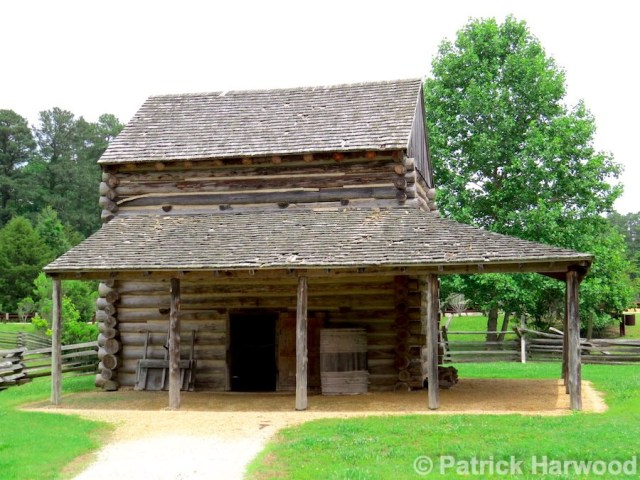 pamplin park tobacco house