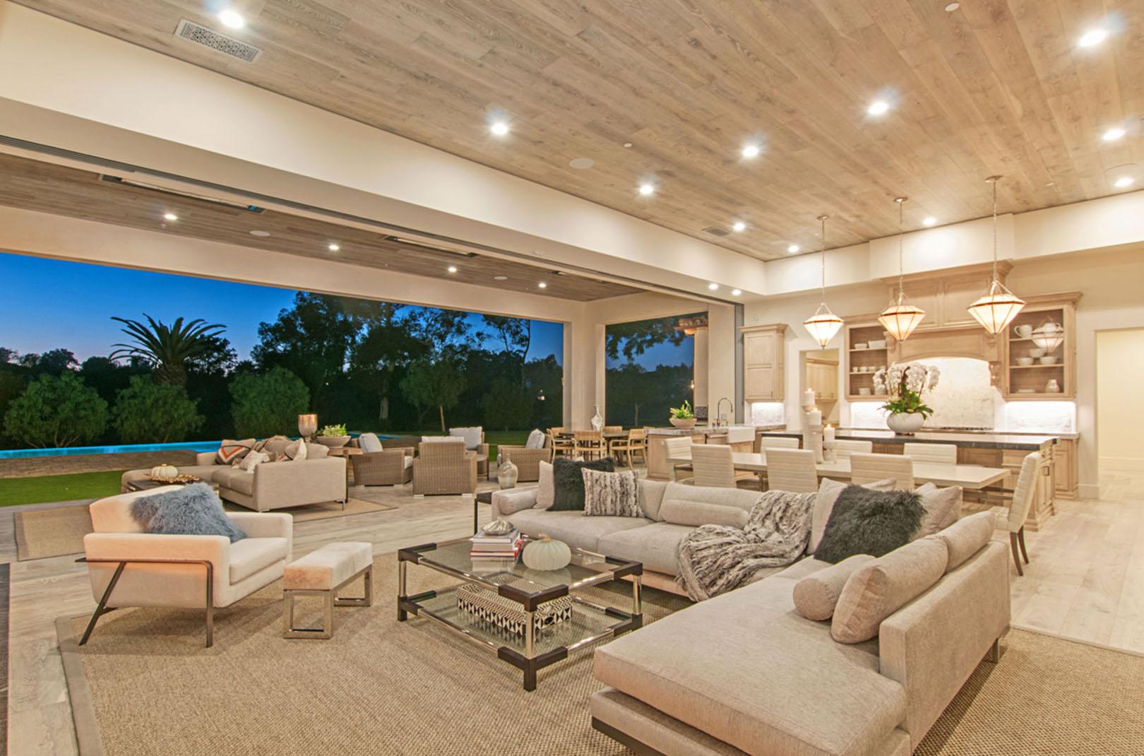 interni case di lusso classiche; Luxury Villa For Sale In The United States Miami New York Charleston