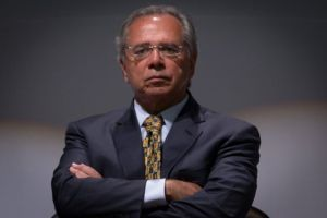 Brasil deve crescer em 2020 mais do que o dobro deste ano, diz Paulo Guedes