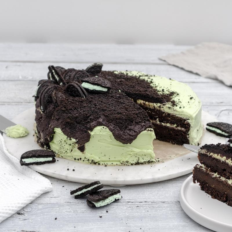 Vegan Chocolate Mint Oreo Cake