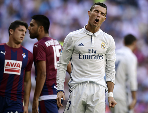 Cristiano Ronaldo reaction after missing a chance for Real Madrid