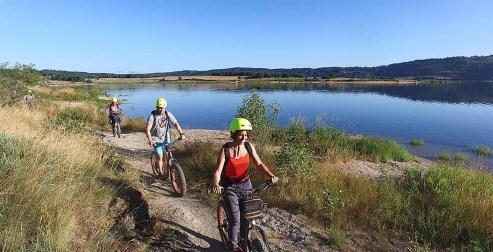 trotinnette electrique location langogne enfants vacances lac