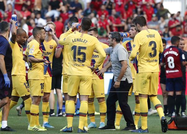 Valverde, con sus jugadores en Pamplona
