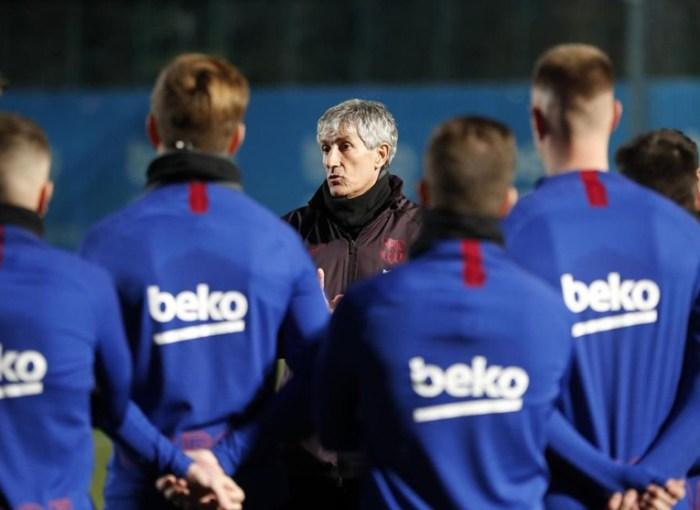 Quique Setién, en uno de sus primeros entrenamientos al frente del FC Barcelona