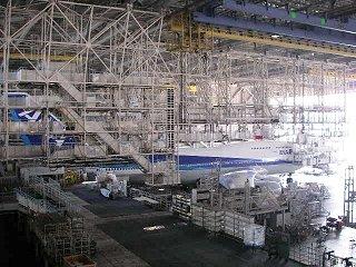 ANA(全日空)飛行機整備工場(羽田)