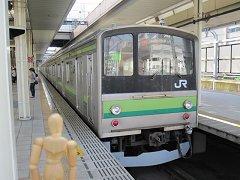 横浜線205系電車とダミーのツーショット