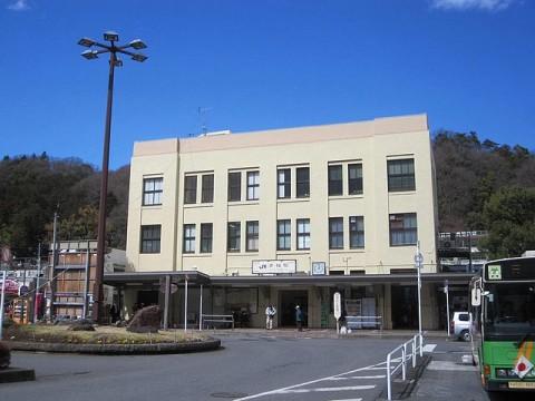駅舎は1924年建築