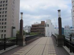 以前の橋に、かつて都電が走っていた