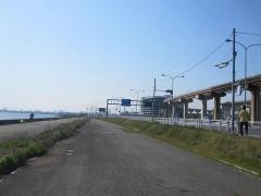 国際線ターミナルが見えてきた[写真8]