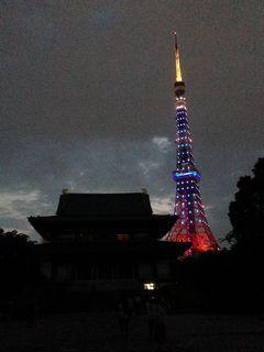 おなじみ東京タワーと増上寺