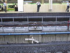東海道線ホーム側にある0キロポスト